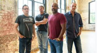 Hootie And The Blowfish Interview With CEEK VR!
